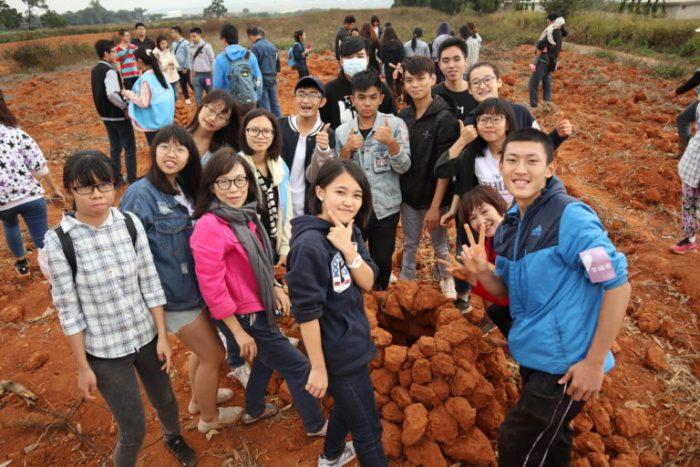 台中學高中生、東海大學社工系師生參與在地農食教育